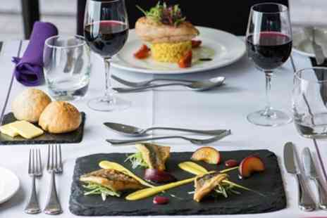 The Lincoln Eastgate Hotel - Dinner & wine for 2 near Lincoln Cathedral - Save 41%