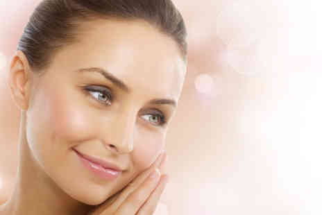115 Skin Clinic - Dermaplaning facial, deluxe dermaplaning facial, or dermaplaning facial with brow tint and wax - Save 47%
