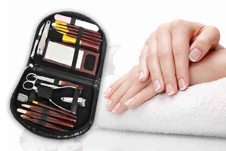 London Exchain Store - 18 piece manicure and makeup brush set - Save 67%