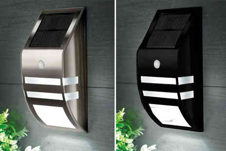 Zoozio - LED solar power wall light choose from two colours - Save 67%