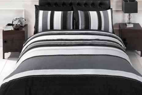 Groupon Goods Global GmbH - Rapport Home Detroit Striped Duvet Cover Set in Choice of Colour - Save 71%