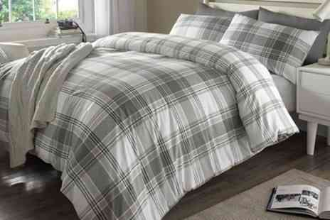 Groupon Goods Global GmbH - Pieridae Check Reversible Duvet Set - Save 77%