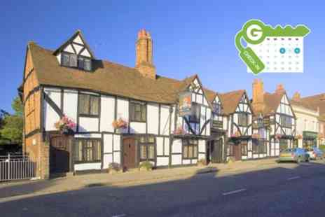 Kings Arms Hotel - Executive Double Room for Two with Breakfast and Wine - Save 34%