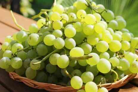 Groupon Goods Global GmbH - 3L Red or White Table Grapes - Save 0%