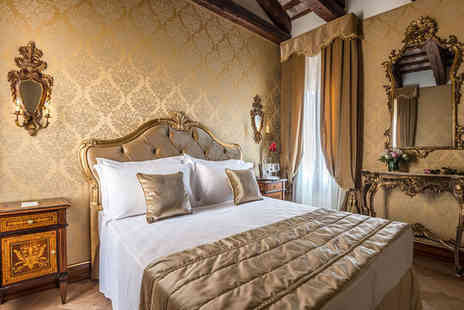 Hotel Nani Mocenigo Palace - Four Star Majestic 15th Century Venetian Palace For Two - Save 75%