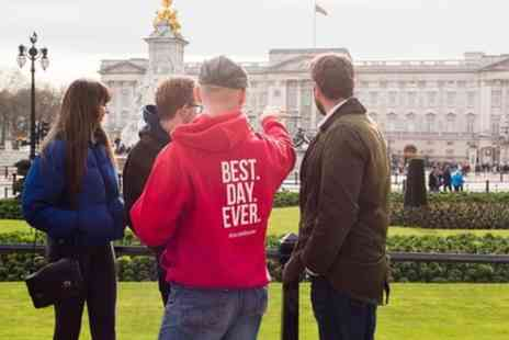 Urban Adventures - Historic Royal Walking Pub Tour in London - Save 15%