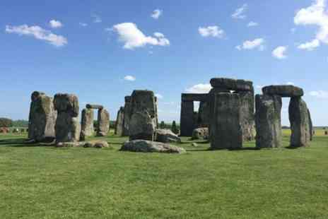 EC Minibus - Day Trip to Stonehenge from Central London in Private Vehicle - Save 0%