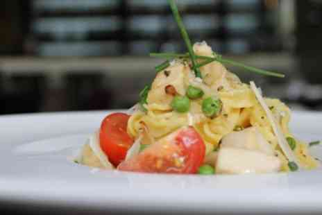 Fiume Restaurant - Pizza or Pasta Dish with Glass of Prosecco for Two - Save 39%