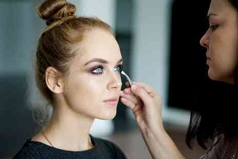 International Make Up Academy - 90 minute teen makeup masterclass - Save 81%