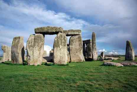 International Friends - Southampton Shore Excursion, Pre Cruise Tour from London to Southampton via Stonehenge - Save 0%