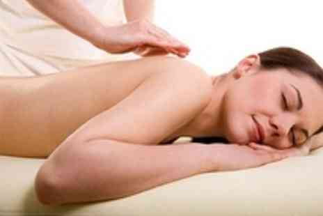 Ultimate Body Sports Therapy - Sports Massage Incl Facial - Save 52%