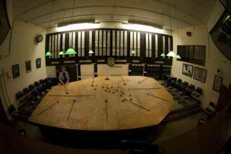 London top sight tours - Go deep inside Churchills Bunker & See over 20 London Sights - Save 0%