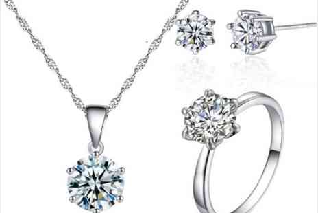 Your Ideal Gift - Crystal solitaire tri-set with crystals from Swarovski - Save 90%