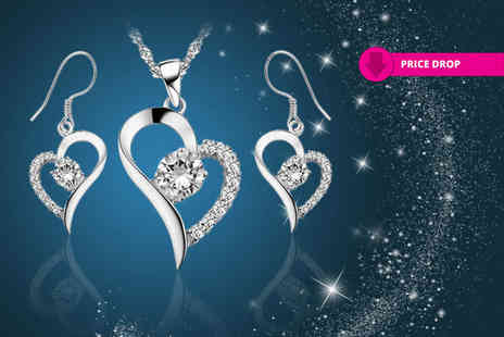 Your Ideal Gift - Crystal heart necklace and earrings set made with crystals from Swarovski - Save 89%