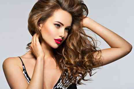 Turquoise Beauty - Hair wash, cut, blow dry and conditioning treatment - Save 54%