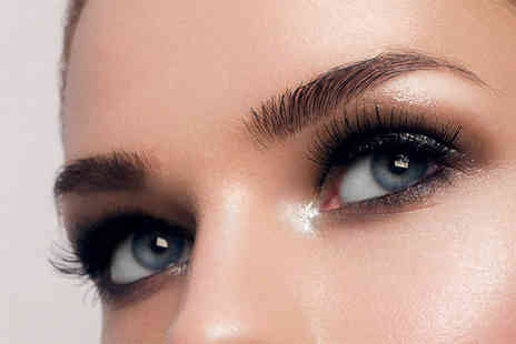 Beau Amis - Eyebrow treatment including a semi permanent tint and wax - Save 44%
