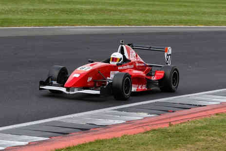 Buyagift - Extended 12 lap Formula Renault racing car experience - Save 0%