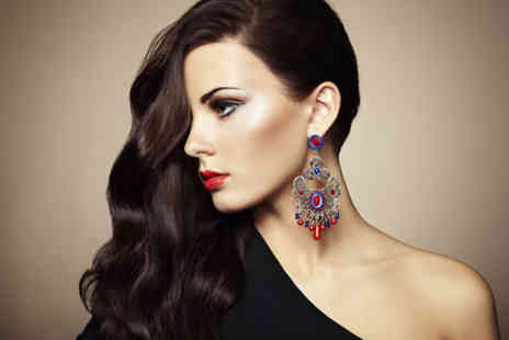 London Ladies Hair & Beauty Clinic - Brazilian keratin blow dry including chocolates and hot drinks on arrival - Save 68%
