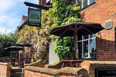 Cowpers Oak - Charming Bucks pub 2 course dinner & bubbly for 2 - Save 47%