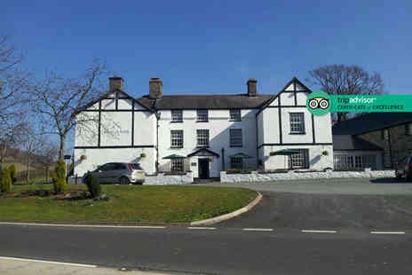 Brigands Inn - Two or three night stay with breakfast and a glass of prosecco on arrival - Save 43%