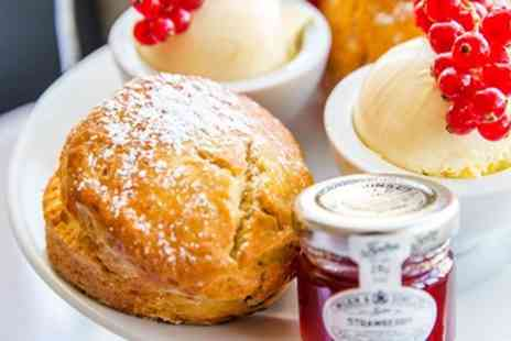 The Kingscliff Hotel - Afternoon tea & prosecco for 2 - Save 37%