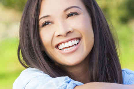 VidaDent Dental Practice - Metal braces on one arch including two tightening sessions, a plastic retainer and a teeth whitening treatment - Save 73%
