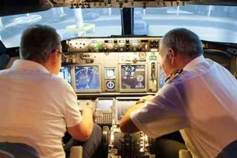 SimAIR737 Flight Simulators - Flight simulator experience near Gloucester - Save 47%