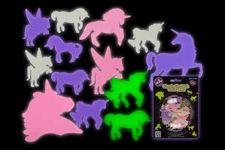London Exchain Store - A pack of 14 glow in the dark unicorns - Save 80%