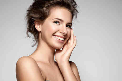 MA Clinics - Laser teeth whitening treatment including a consultation - Save 70%