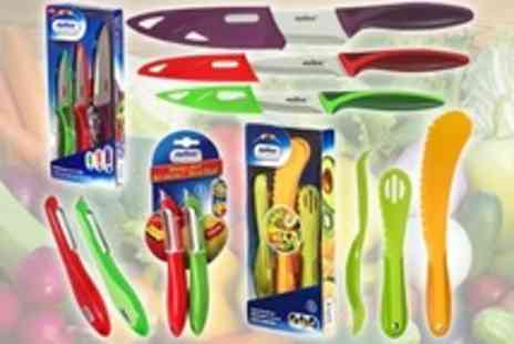 ebeez.co.uk - Zyliss Coloured Knives and Utensils  One Eight Piece Sets - Save 50%