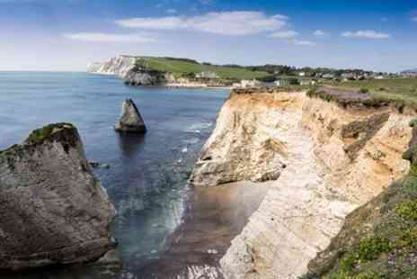 Rabbies Trail Burners - Three day Isle of Wight and the Southern Coast Small Group Tour from London - Save 0%