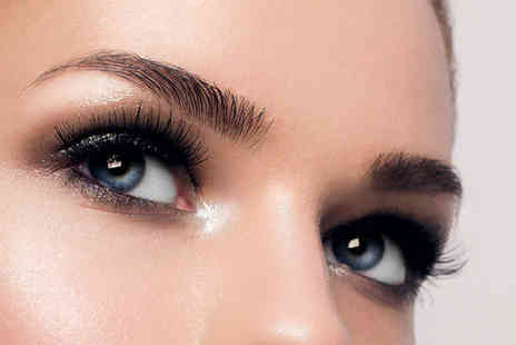 Good Hand Therapy - LVL lash volume treatment and lash tint - Save 62%