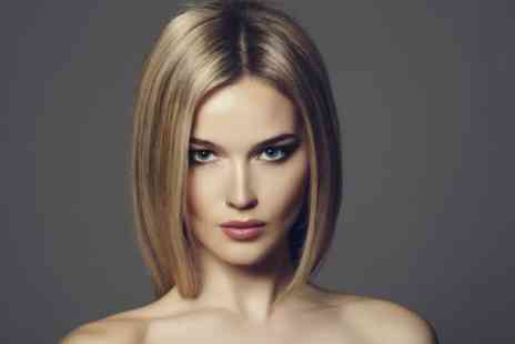 Butterflies Beauty - Keratin Treatment with Wash, Cut and Blow Dry - Save 87%