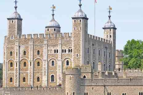 Pinocchio Tours - Skip the Line Private Guided Tour of the Tower of London for kids and families - Save 0%