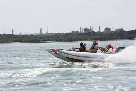 Virgin Experience Days - Thunderbolt Powerboat Driving Experience - Save 31%