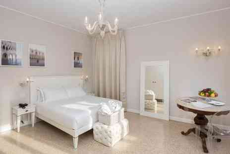 Hotel Salute Palace - Four Star Boutique Hotel Stay For Two in Historic Venetian Building - Save 74%