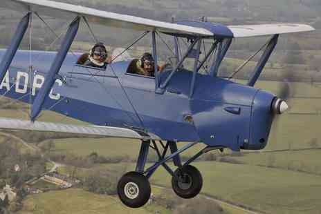 Vintage Flying - 45 minute tiger moth vintage flying experience with 10 minutes of flight time - Save 55%