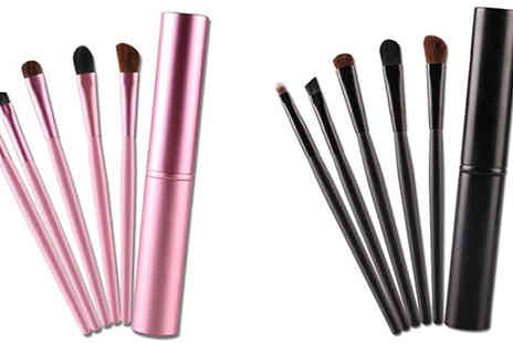 Get Gorgeous - 5 Piece Make Up Brush Set Available in 2 Colours - Save 53%