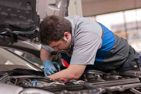 Perivale Motor Repairs - Car Air Conditioning Service With Re Gas - Save 61%