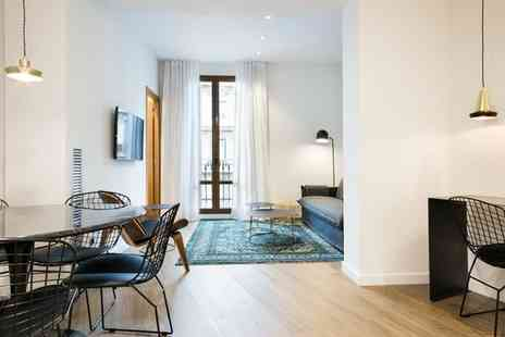 Uma Suites Luxury Midtown - Family Friendly Apartment Stay For Two in Eixample - Save 50%