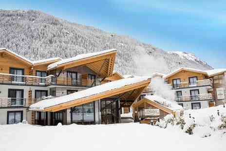 Residence Prestige Odalys Isatis - Four Star Authentic Apartments Stay For Two in Iconic Chamonix - Save 36%
