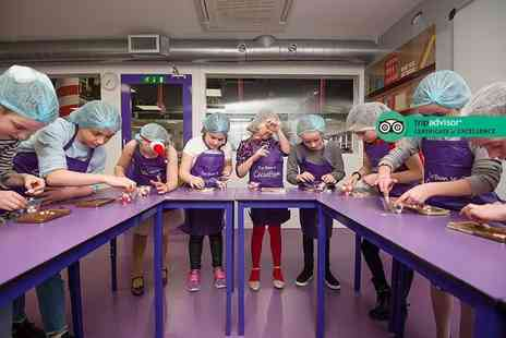 The Cocoabean Company - Interactive childrens chocolate workshop including lunch, three take home chocolatey goodies, a Cocoabean hair net and apron - Save 17%