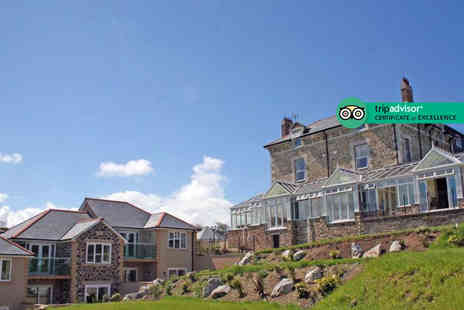 Breaks in Cornwall - Two or three night break with breakfast, one three course dinner and a glass of Prosecco - Save 58%