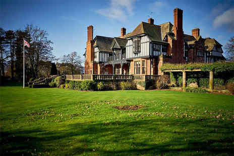 Inglewood Manor - Overnight stay for two people with a glass of bubbly on arrival, breakfast and a 10% shopping discount voucher to use - Save 37%
