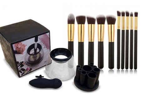 Wow What Who - Makeup brush cleaner and 10 piece brush set - Save 65%