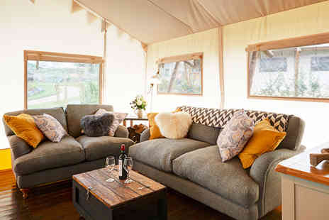 Love 2 Stay - Three night glamping lodge stay for up to six with private hot tub, cinema tickets, ice skating and private assault course session - Save 40%
