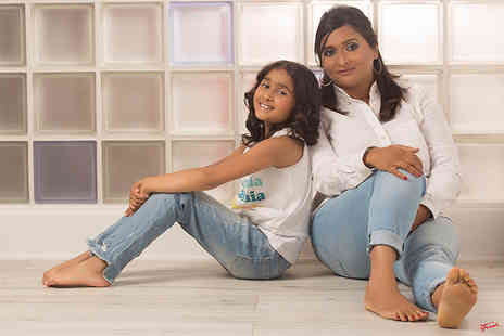 "The Click Group - Mother and daughter makeover and photoshoot including one 8"" x 12"" print, one 5"" x 7"", a CD or download plus £100 in vouchers - Save 96%"