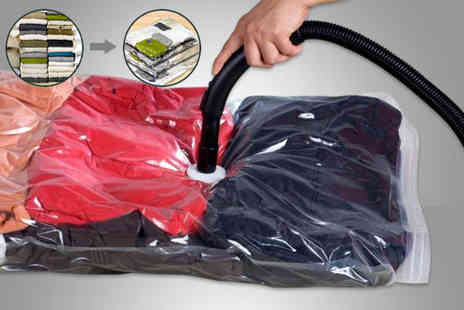 London Exchain Store - Two, four or six vacuum storage bags - Save 80%