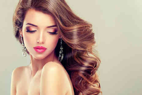 Beautylicious - Half head of highlights, cut, conditioning treatment and blow dry, full head of highlights - Save 52%