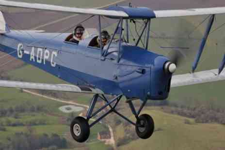 Vintage Flying - 45 Minute Tiger Moth Vintage Flying Experience with 10 Minute Flight Time - Save 55%